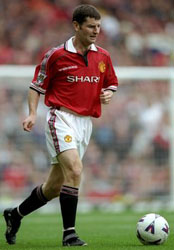 Denis Irwin Playing football for Man Utd